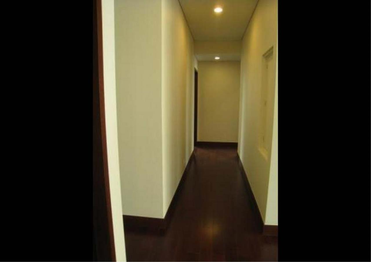 Bangkok Residential Agency's 3 Bed Condo For Rent in Chidlom BR4852CD 4