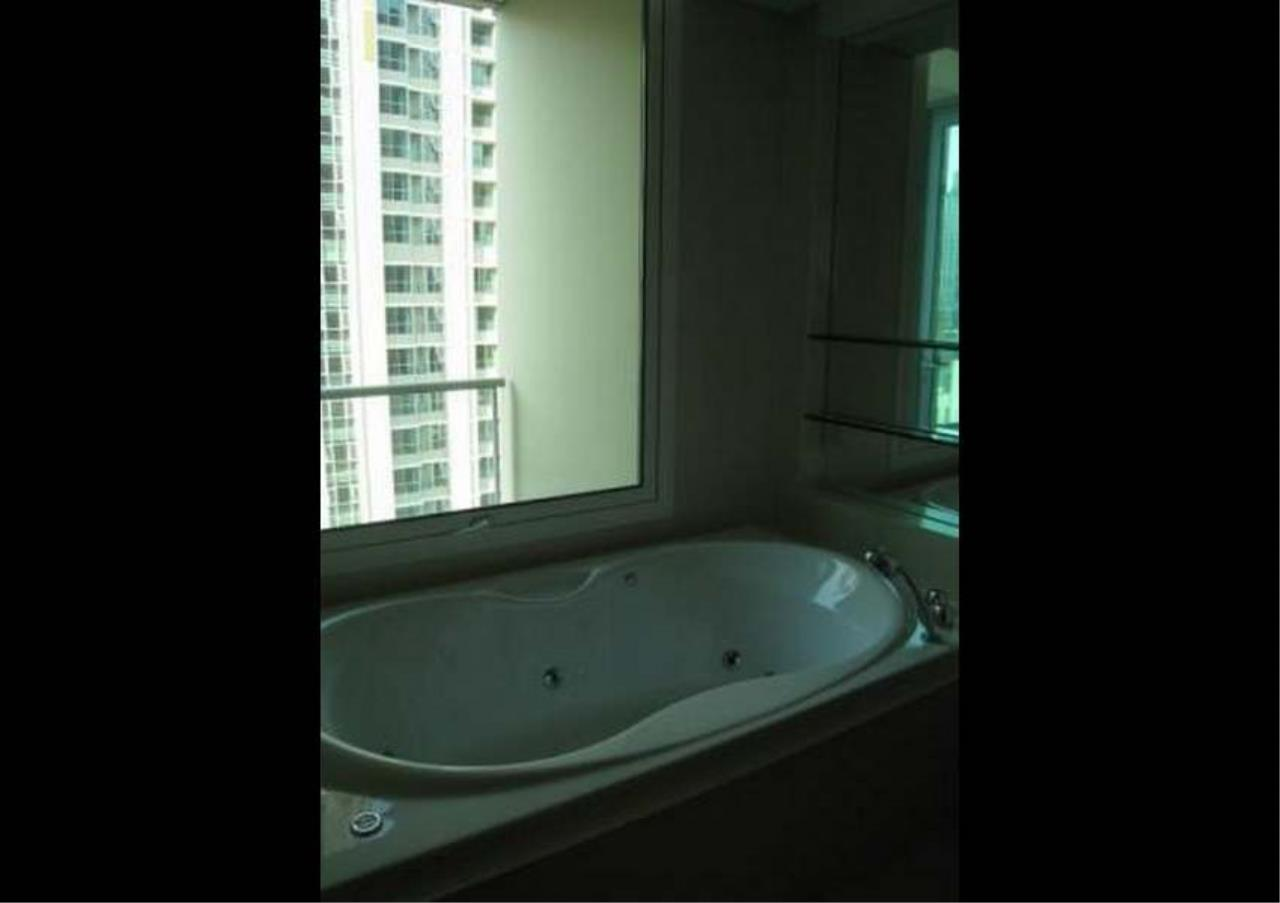Bangkok Residential Agency's 3 Bed Condo For Rent in Chidlom BR4852CD 6