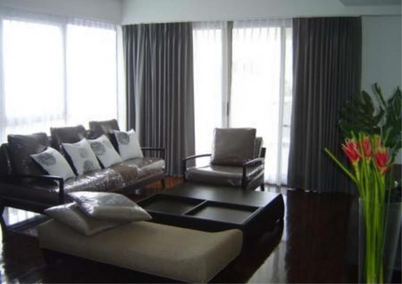 Bangkok Residential Agency's 3 Bed Condo For Rent in Phloenchit BR4859CD 1