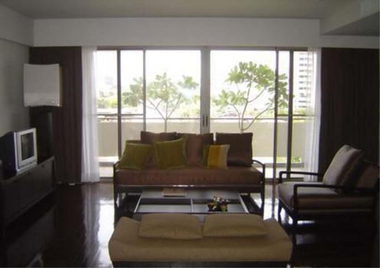 Bangkok Residential Agency's 3 Bed Condo For Rent in Phloenchit BR4859CD 2