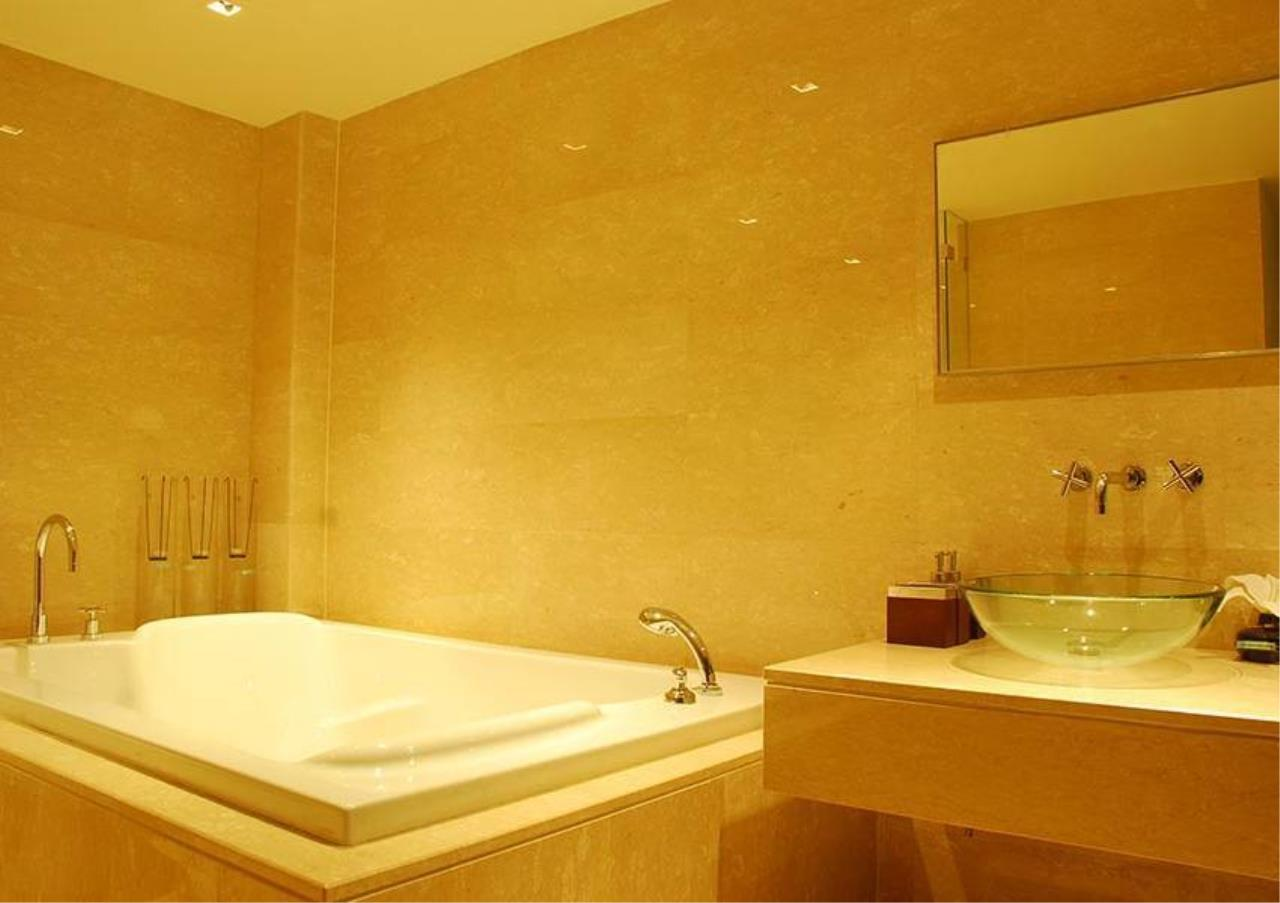 Bangkok Residential Agency's 5 Bed Penthouse For Sale in Thonglor BR4861CD 30