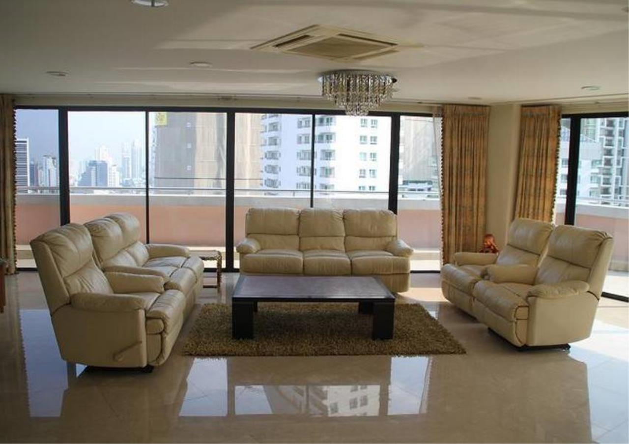 Bangkok Residential Agency's 5 Bed Penthouse For Rent in Phrom Phong BR4896CD 2