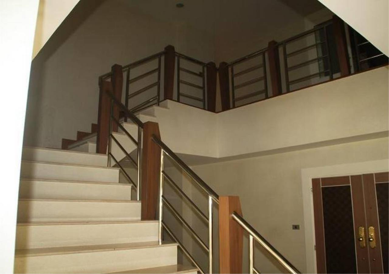 Bangkok Residential Agency's 5 Bed Penthouse For Rent in Phrom Phong BR4896CD 6