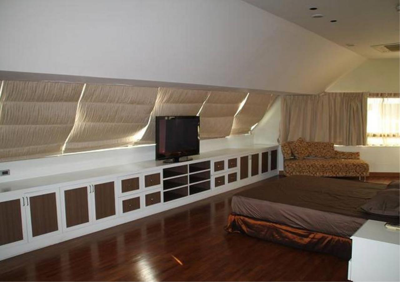 Bangkok Residential Agency's 5 Bed Penthouse For Rent in Phrom Phong BR4896CD 7