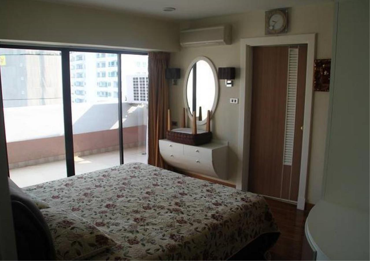 Bangkok Residential Agency's 5 Bed Penthouse For Rent in Phrom Phong BR4896CD 9