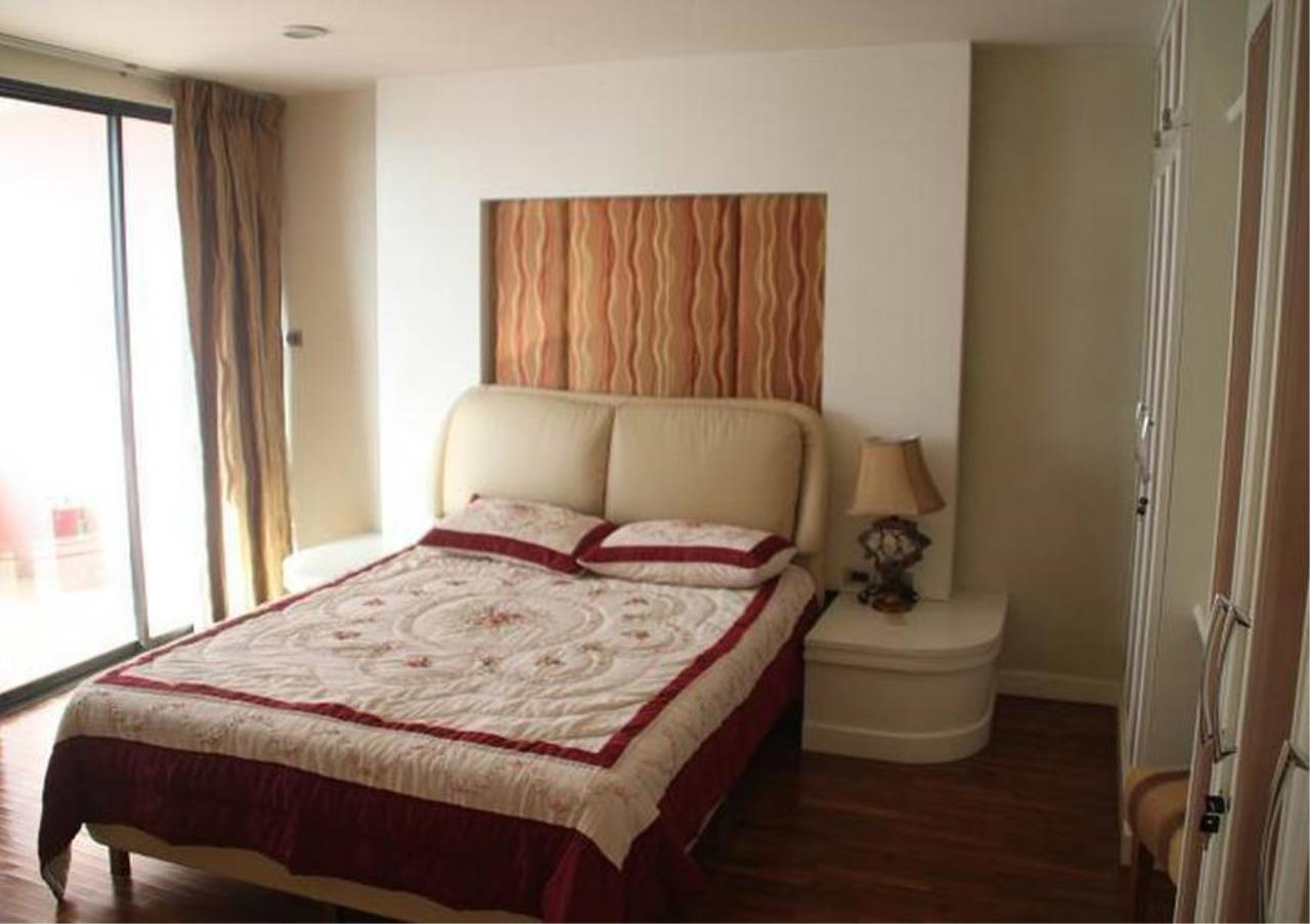 Bangkok Residential Agency's 5 Bed Penthouse For Rent in Phrom Phong BR4896CD 10