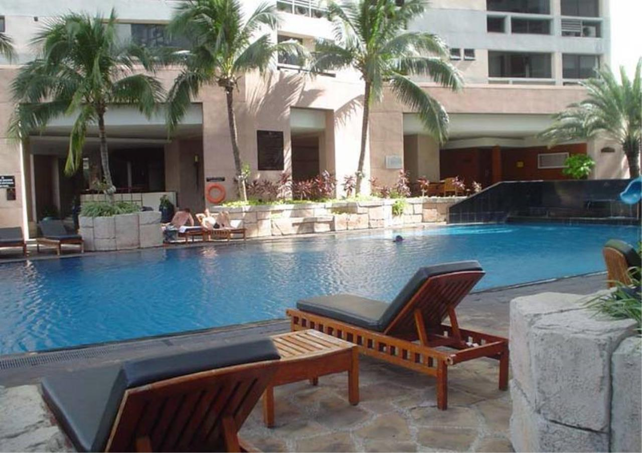 Bangkok Residential Agency's 5 Bed Penthouse For Rent in Phrom Phong BR4896CD 14