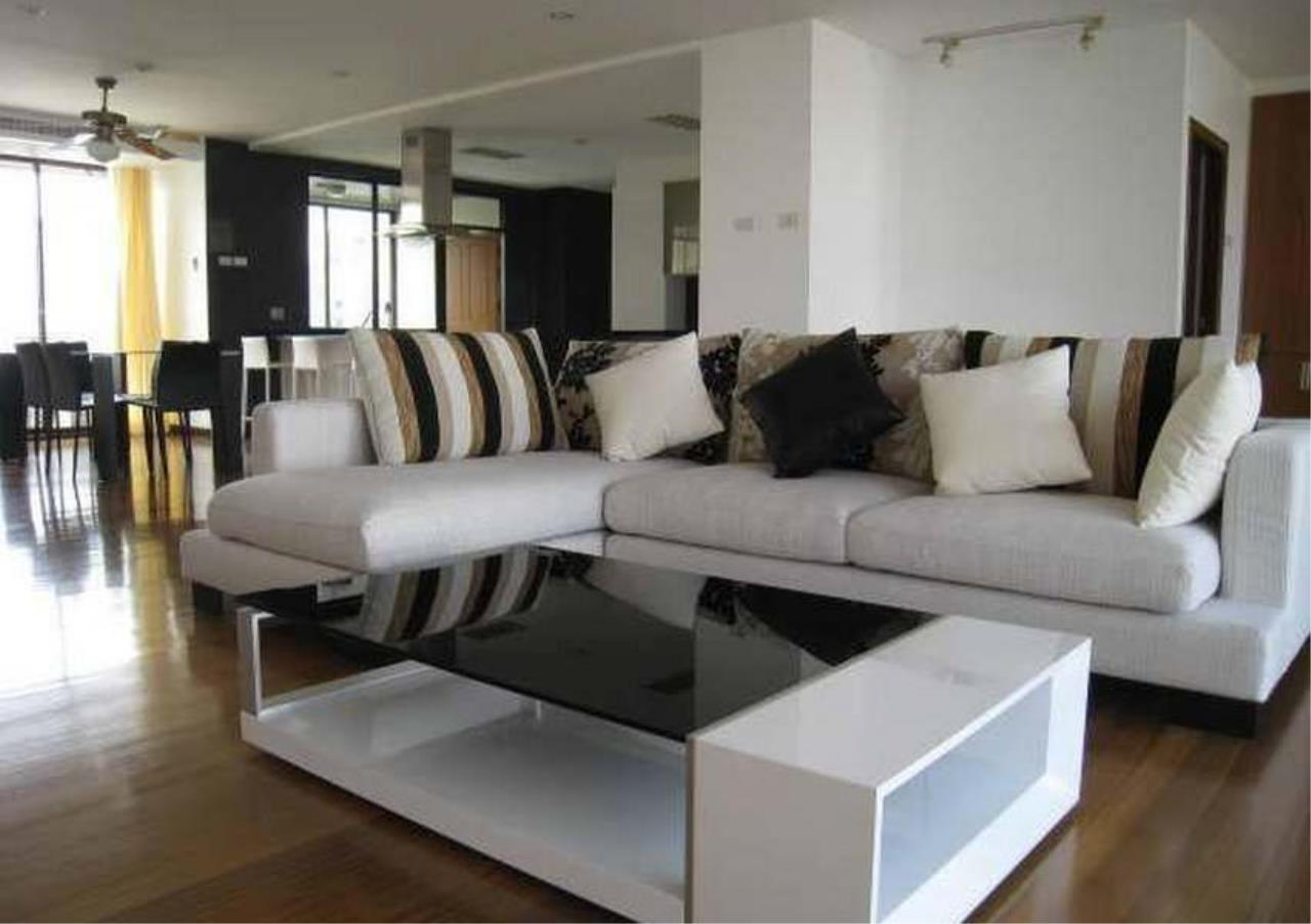 Bangkok Residential Agency's 3 Bed Condo For Rent in Phrom Phong BR4953CD 1
