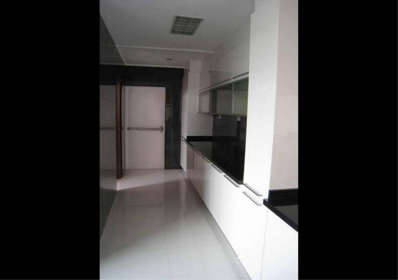 Bangkok Residential Agency's 3 Bed Condo For Rent in Phrom Phong BR4953CD 4