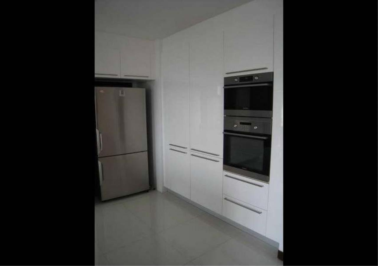 Bangkok Residential Agency's 3 Bed Condo For Rent in Phrom Phong BR4953CD 5