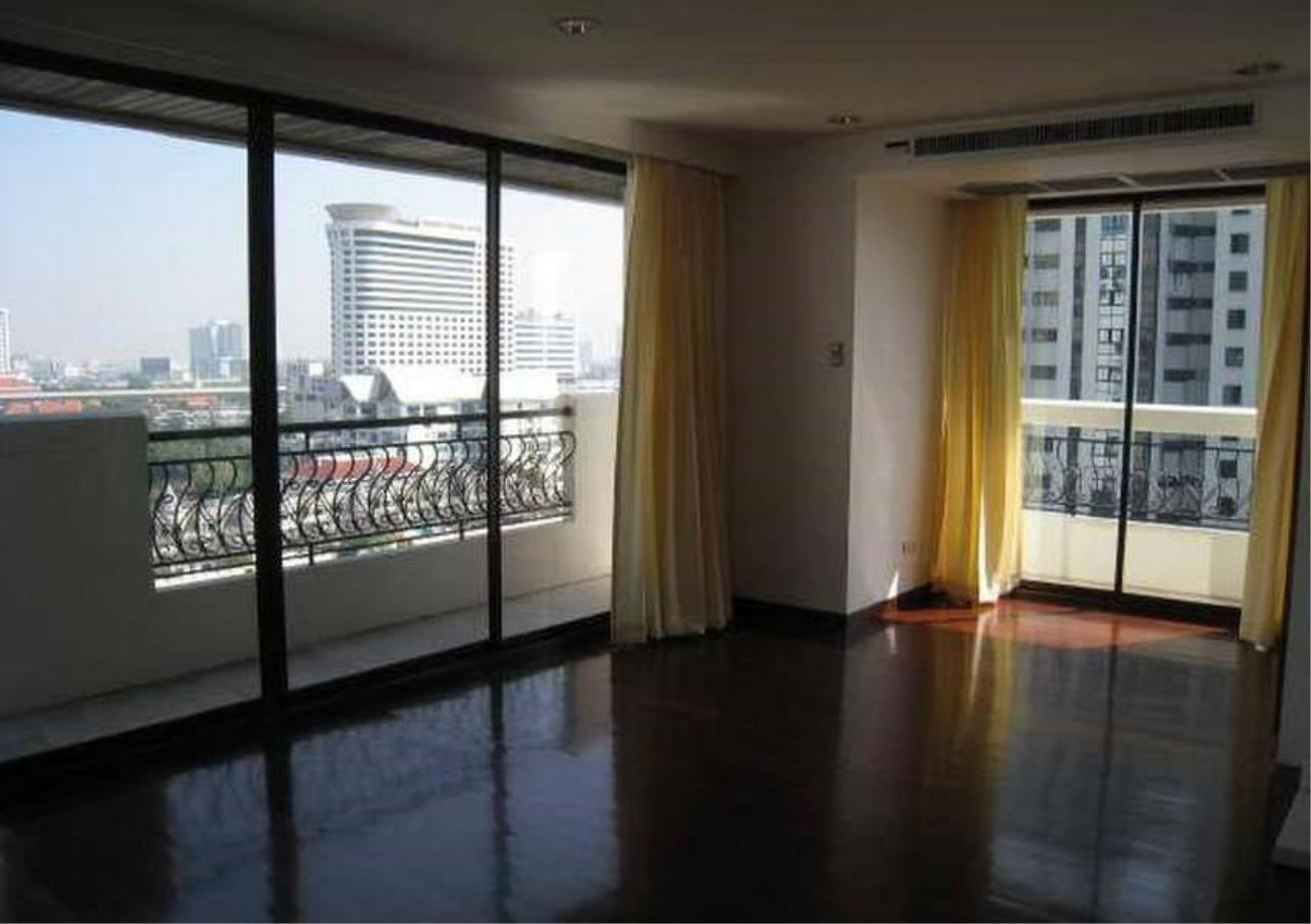 Bangkok Residential Agency's 3 Bed Condo For Rent in Phrom Phong BR4953CD 6