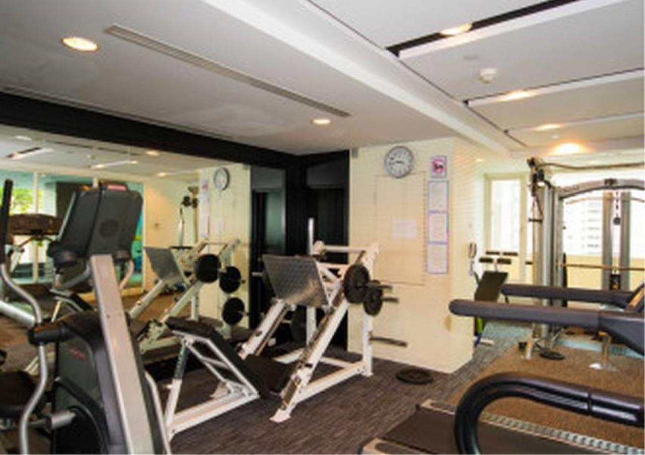 Bangkok Residential Agency's 3 Bed Condo For Rent in Phrom Phong BR4984CD 10