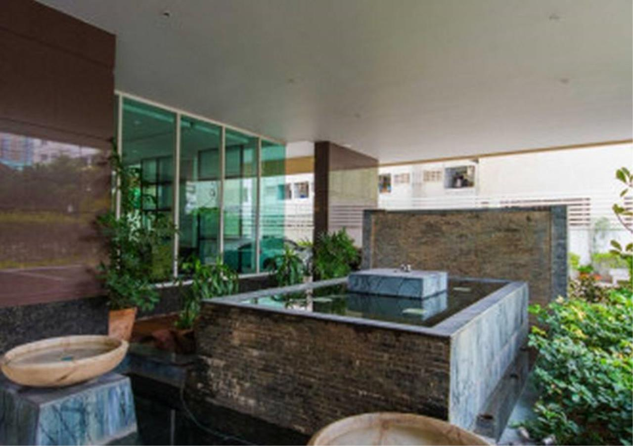 Bangkok Residential Agency's 3 Bed Condo For Rent in Phrom Phong BR4984CD 9