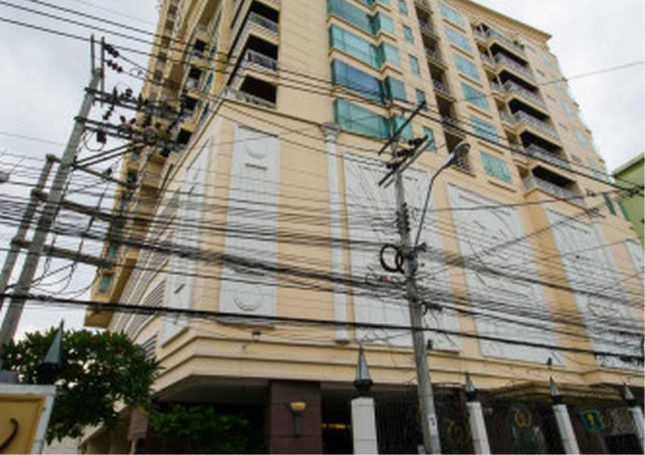 Bangkok Residential Agency's 3 Bed Condo For Rent in Phrom Phong BR4984CD 7