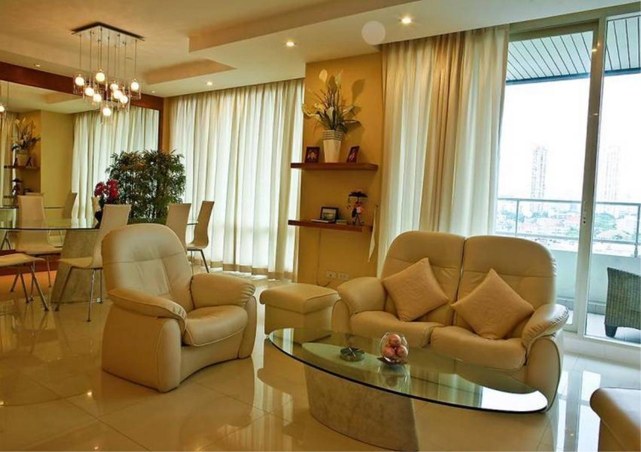 Bangkok Residential Agency's 3 Bed Condo For Sale Near  Riverside BR4995CD 5