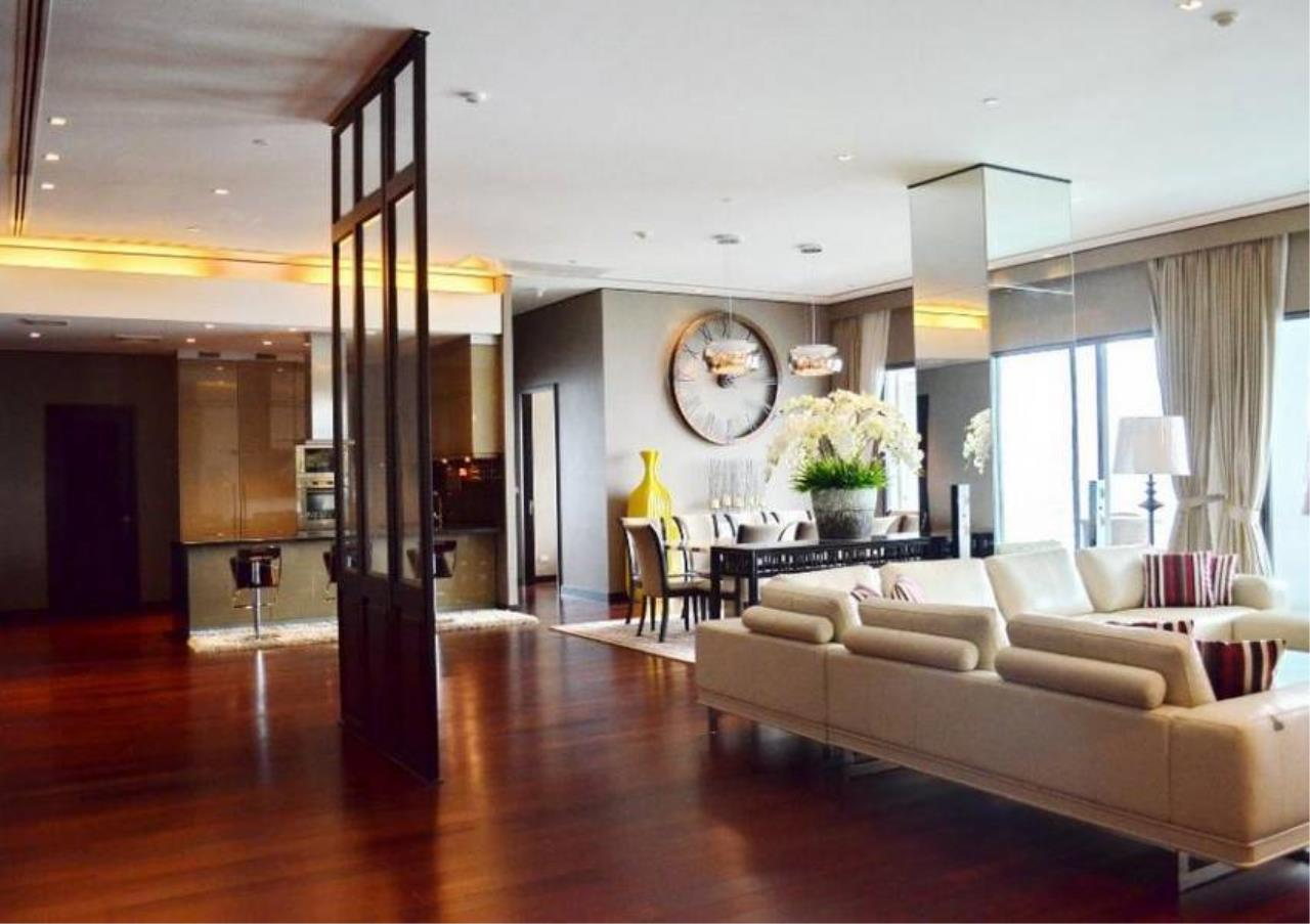 Bangkok Residential Agency's 4 Bed Condo For Rent in Phrom Phong BR5096CD 8