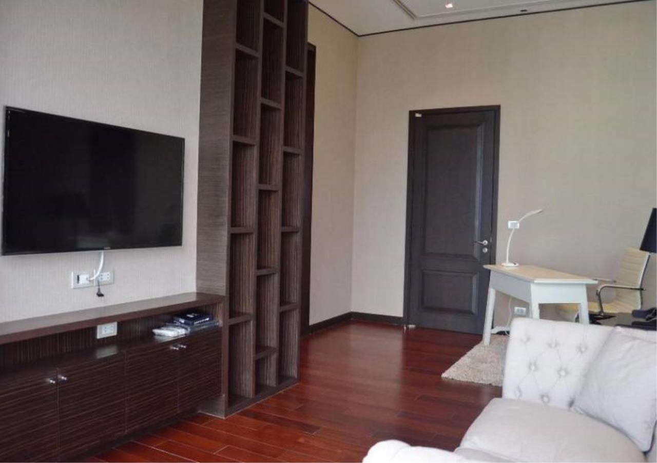 Bangkok Residential Agency's 4 Bed Condo For Rent in Phrom Phong BR5096CD 10