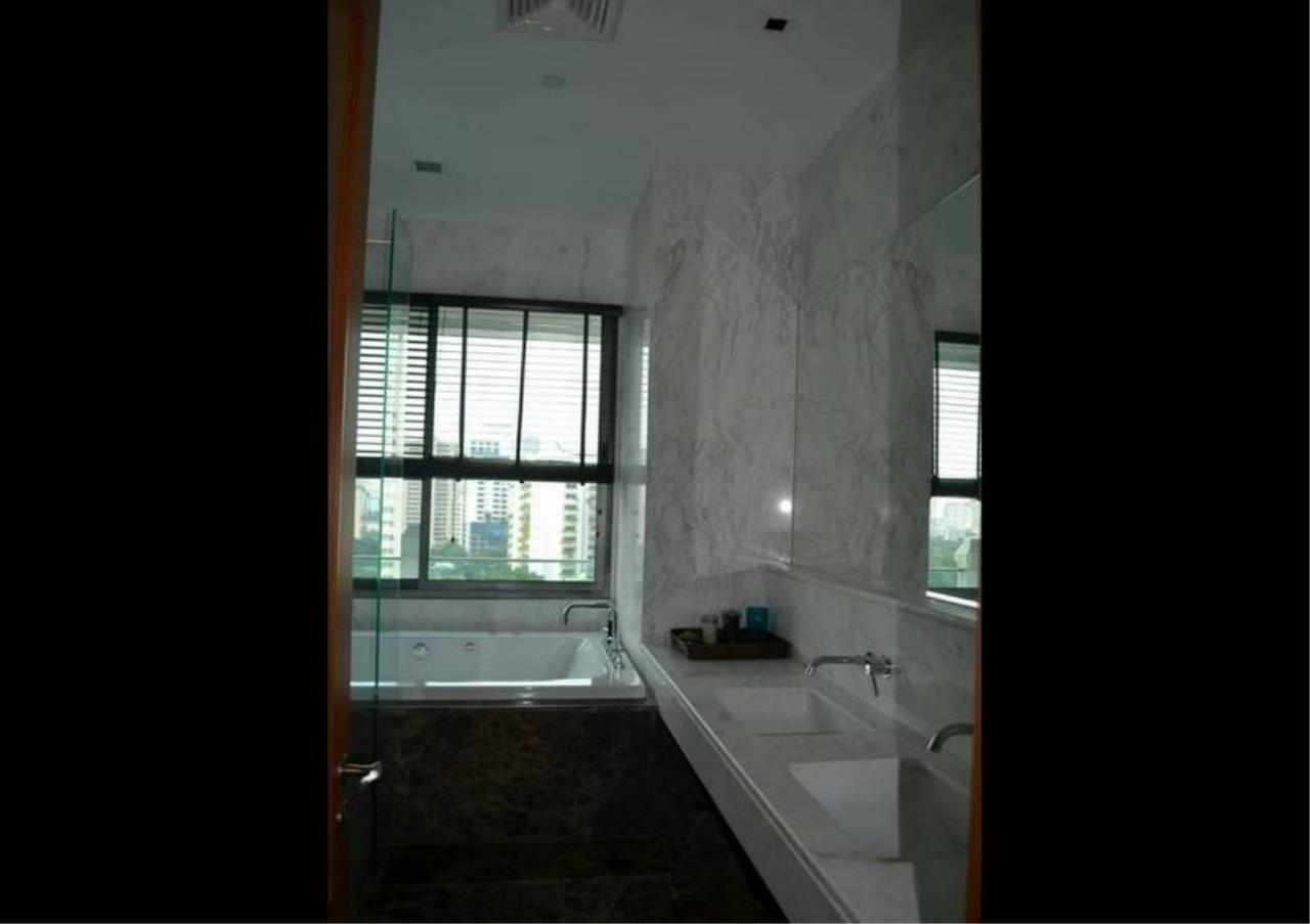 Bangkok Residential Agency's 2 Bed Condo For Rent in Phrom Phong BR5146CD 9
