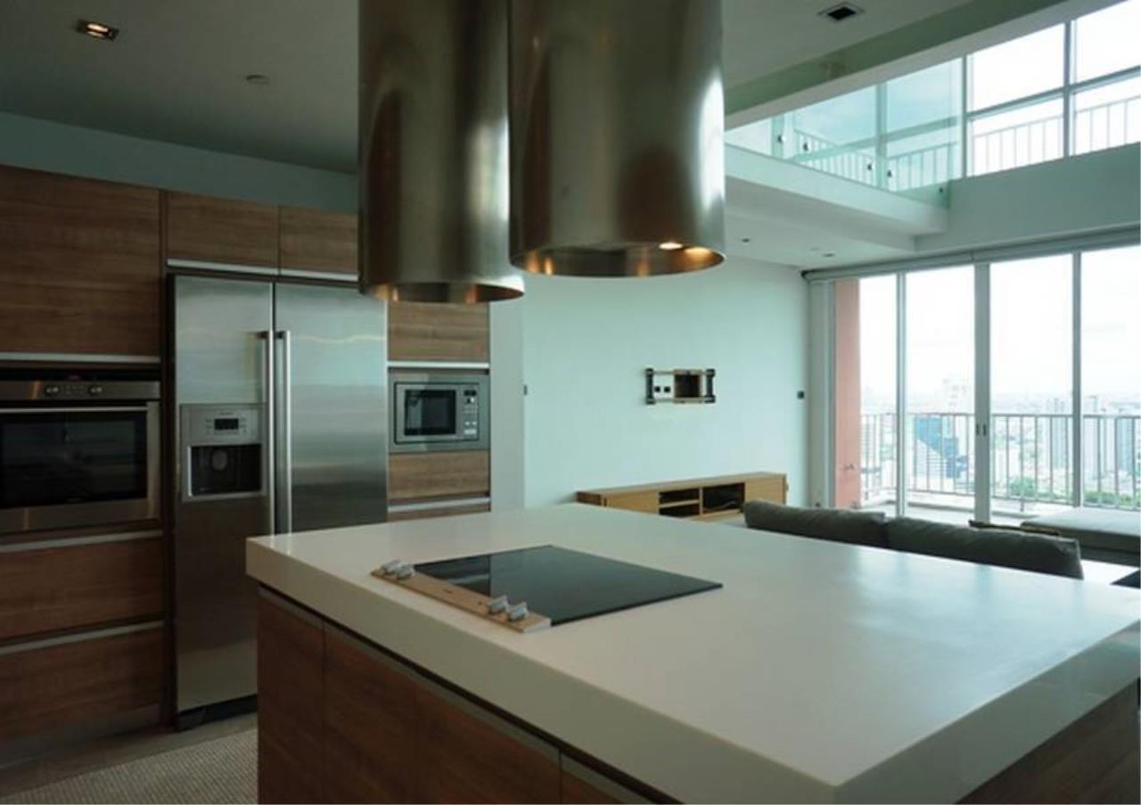 Bangkok Residential Agency's 4 Bed Penthouse For Rent in Ekkamai BR5170CD 2