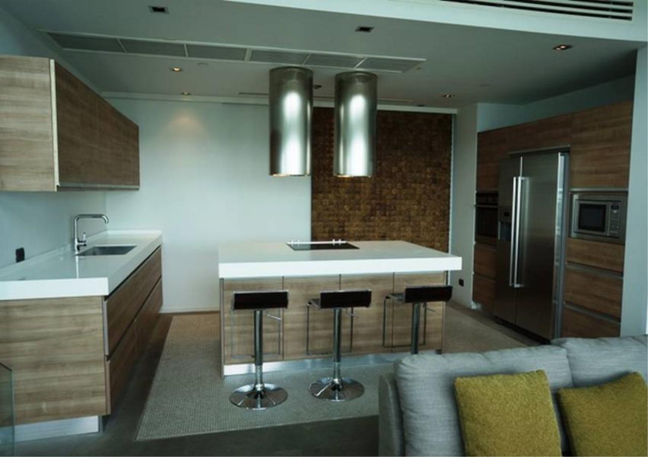 Bangkok Residential Agency's 4 Bed Penthouse For Rent in Ekkamai BR5170CD 3