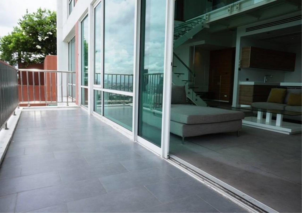 Bangkok Residential Agency's 4 Bed Penthouse For Rent in Ekkamai BR5170CD 4