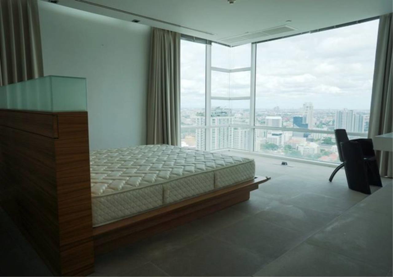 Bangkok Residential Agency's 4 Bed Penthouse For Rent in Ekkamai BR5170CD 7