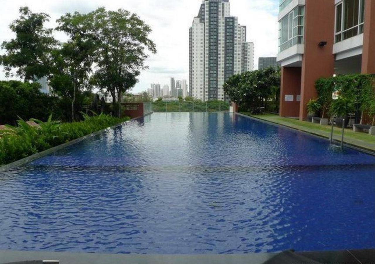 Bangkok Residential Agency's 4 Bed Penthouse For Rent in Ekkamai BR5170CD 8