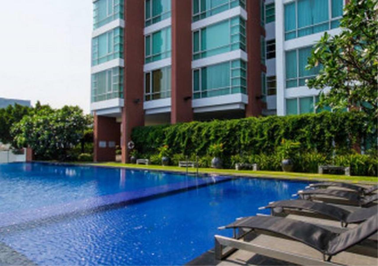 Bangkok Residential Agency's 4 Bed Penthouse For Rent in Ekkamai BR5170CD 9