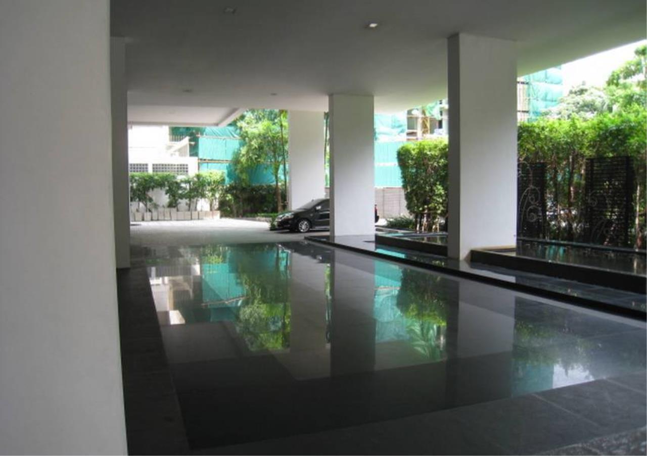 Bangkok Residential Agency's 4 Bed Penthouse For Rent in Ekkamai BR5170CD 11