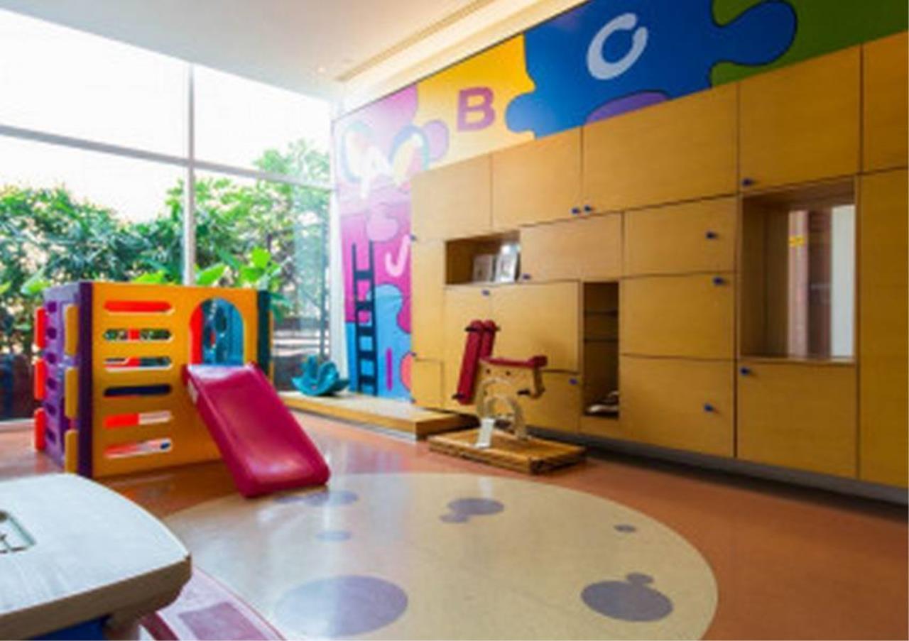 Bangkok Residential Agency's 4 Bed Penthouse For Rent in Ekkamai BR5170CD 14