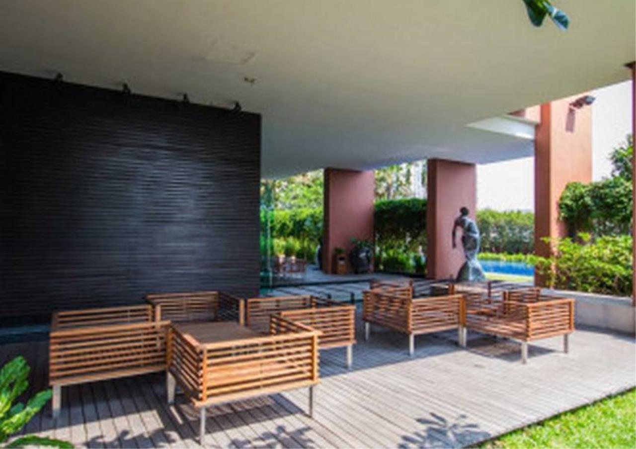 Bangkok Residential Agency's 4 Bed Penthouse For Rent in Ekkamai BR5170CD 15