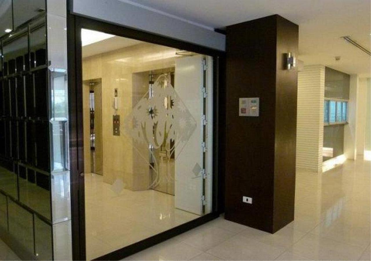 Bangkok Residential Agency's 2 Bed Condo For Sale in Phrom Phong BR5199CD 8