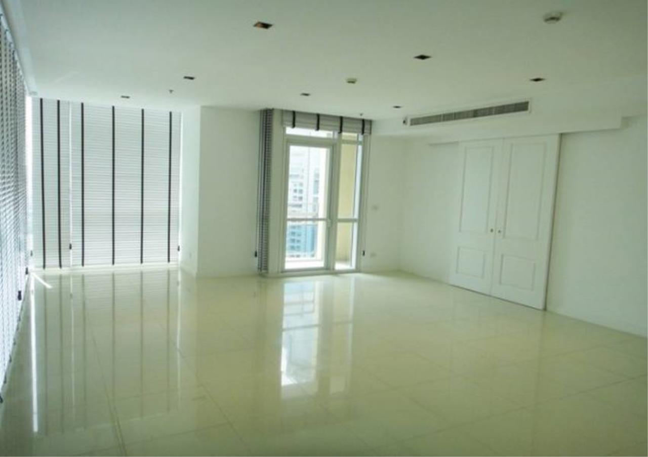 Bangkok Residential Agency's 4 Bed Condo For Rent in Phloenchit BR5207CD 1