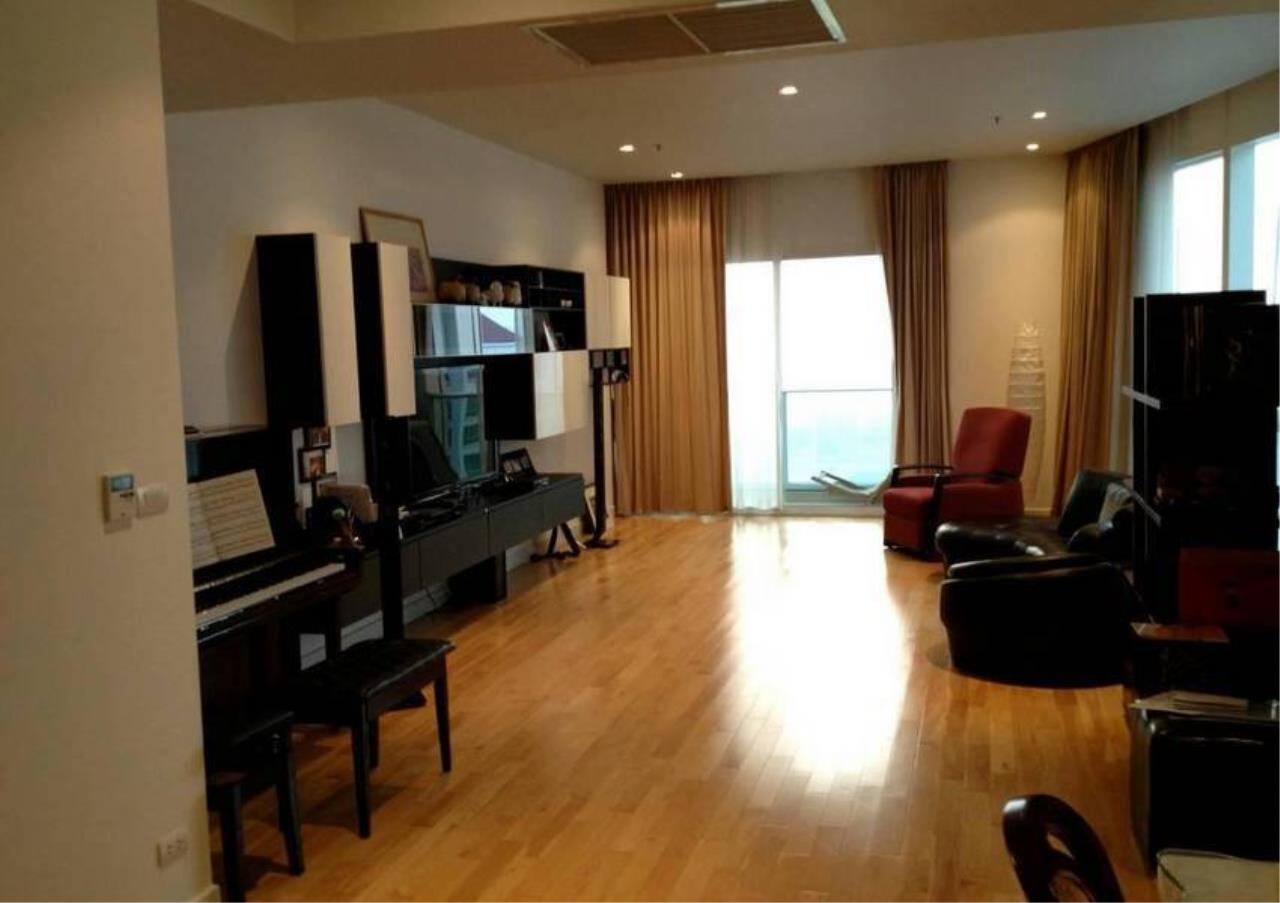 Bangkok Residential Agency's 3 Bed Condo For Rent in Asoke BR5398CD 1