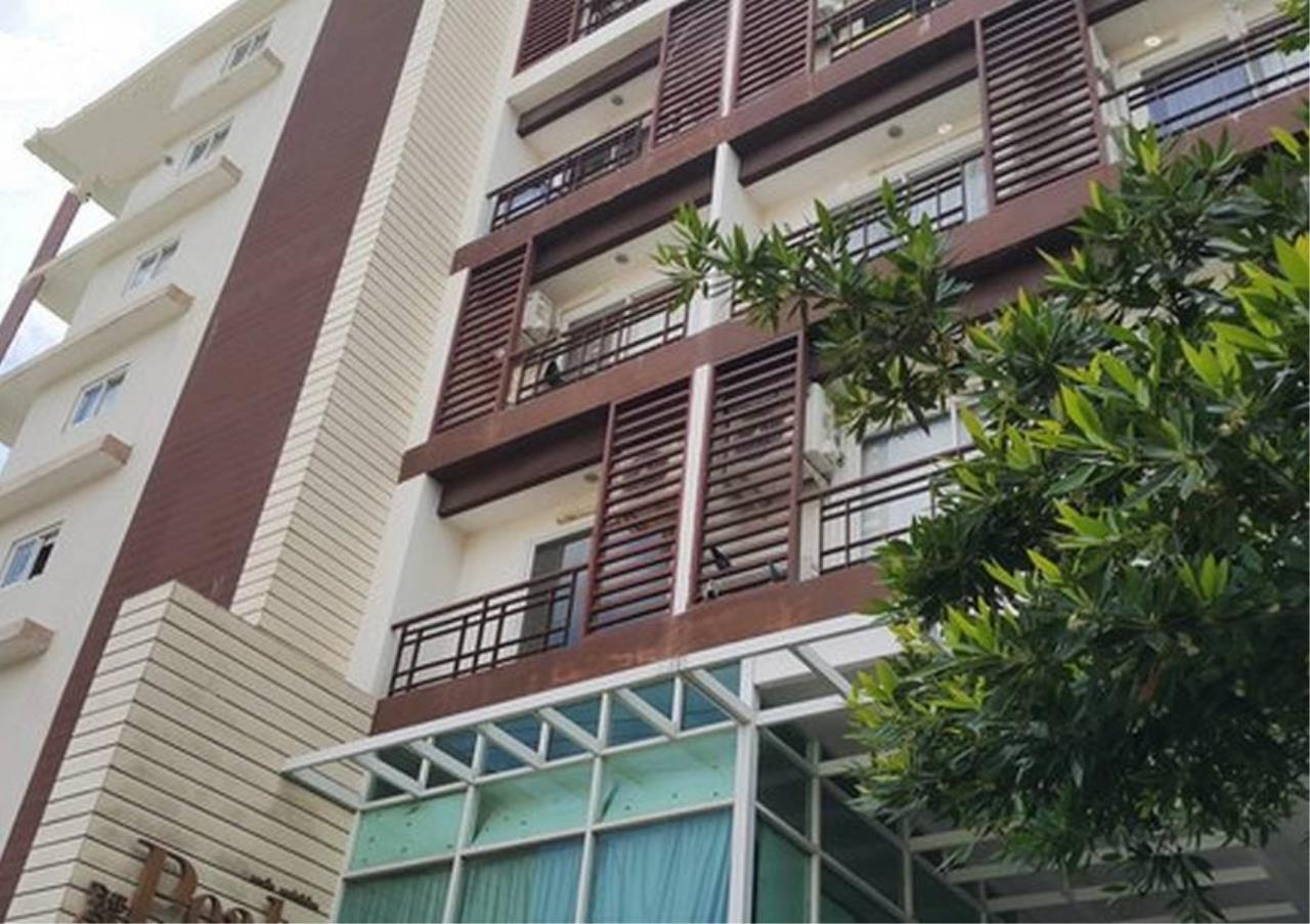 Bangkok Residential Agency's 3 Bed Condo For Rent in Nana BR5585CD 1