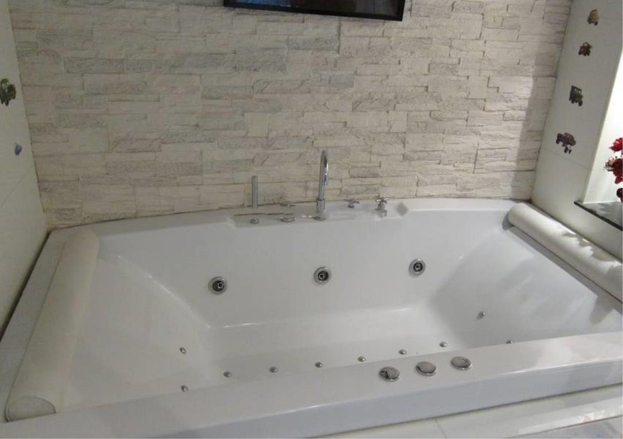 Bangkok Residential Agency's 2 Bed Condo For Rent in Asoke BR5628CD 8