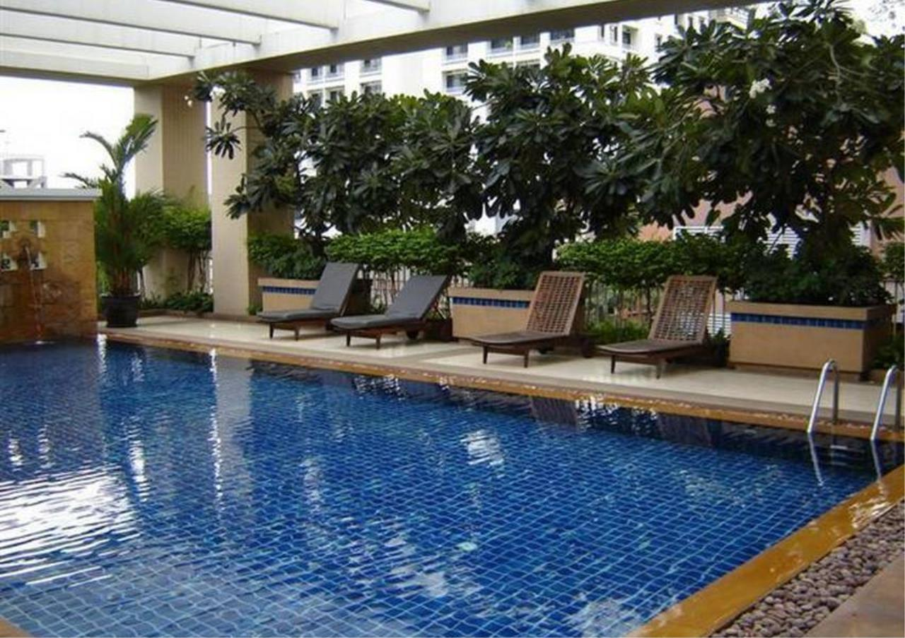 Bangkok Residential Agency's 2 Bed Condo For Rent in Chidlom BR5640CD 1