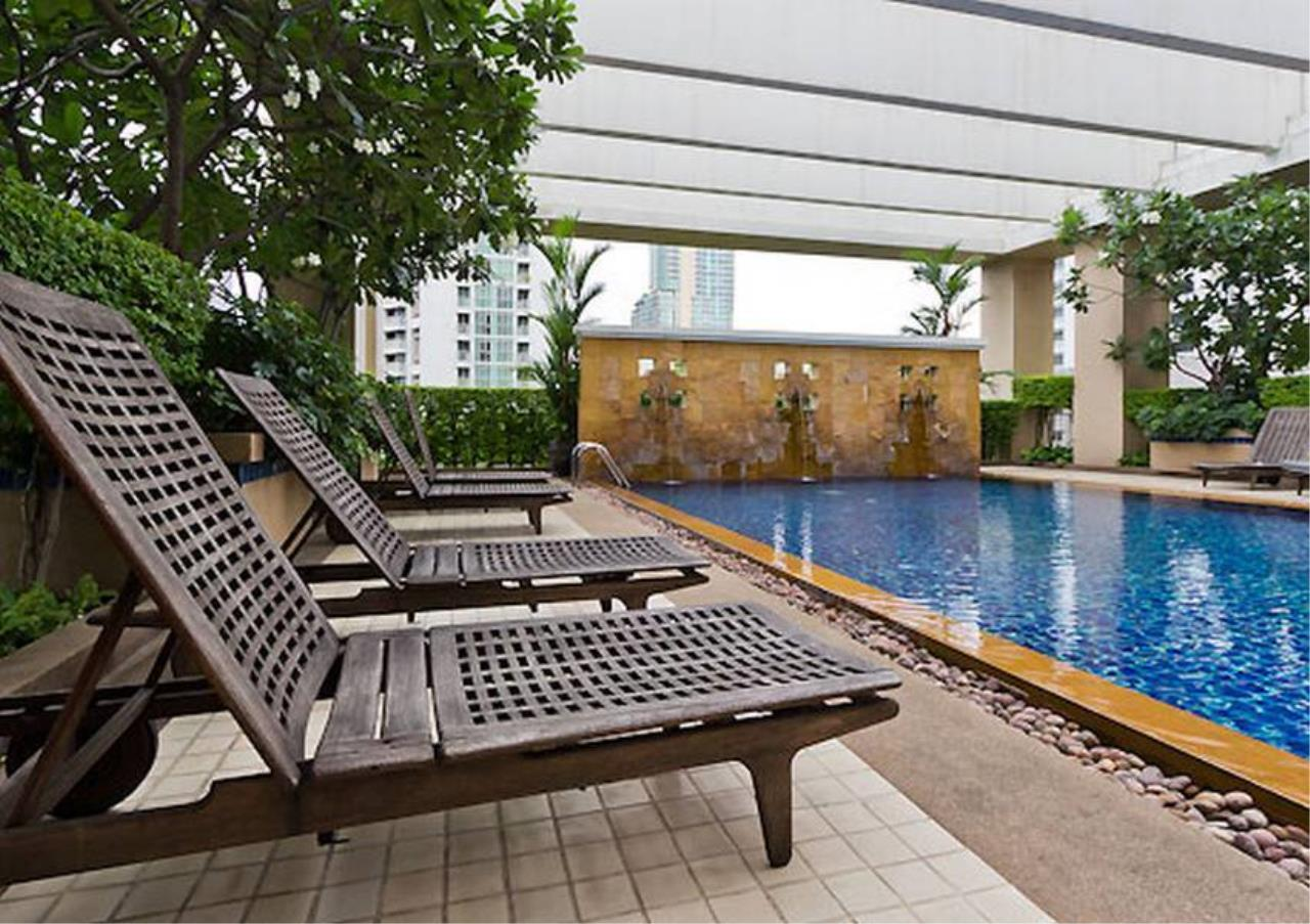 Bangkok Residential Agency's 2 Bed Condo For Rent in Chidlom BR5640CD 2