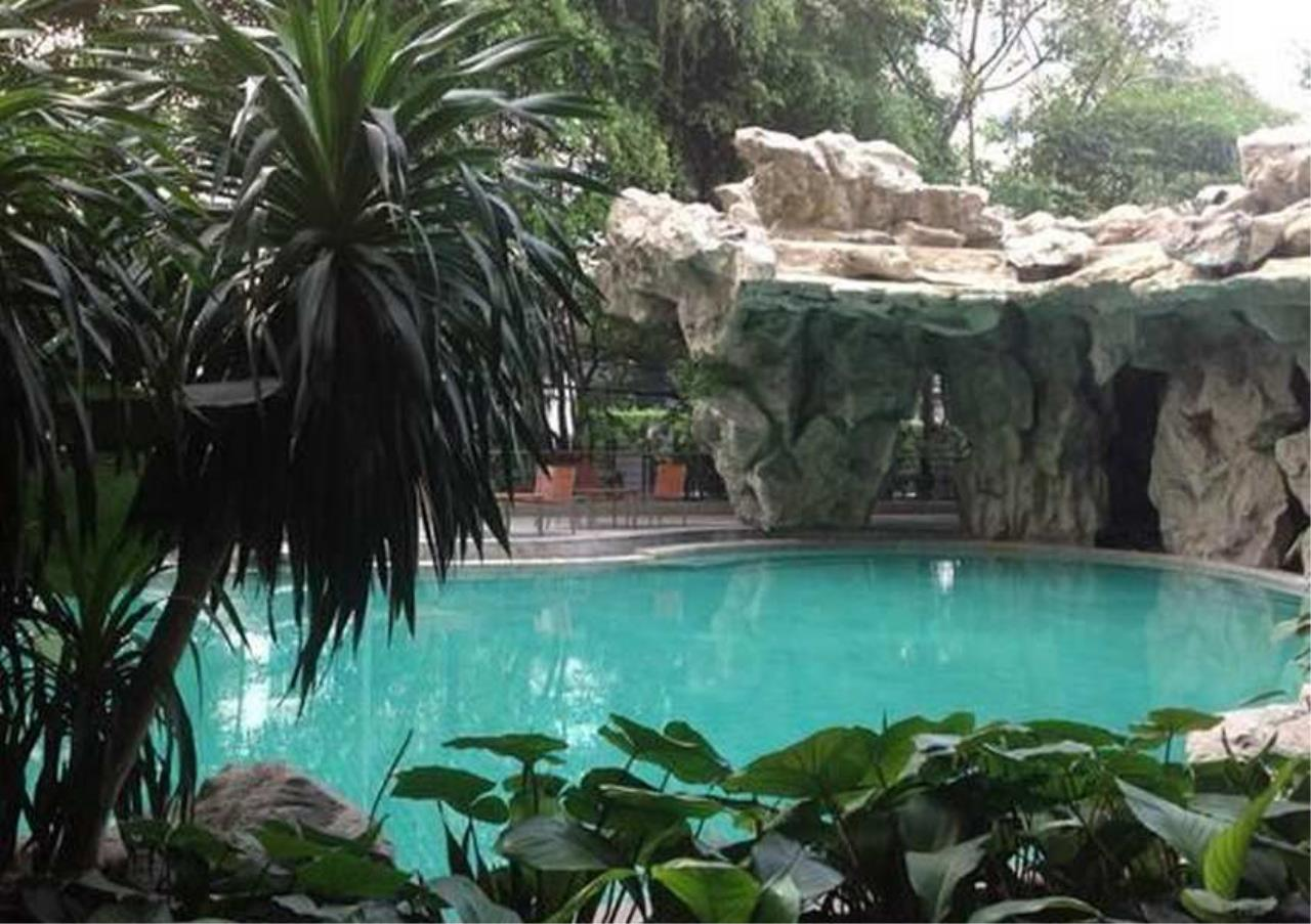 Bangkok Residential Agency's 3 Bed Condo For Rentin Chit Lom BR5663CD 1
