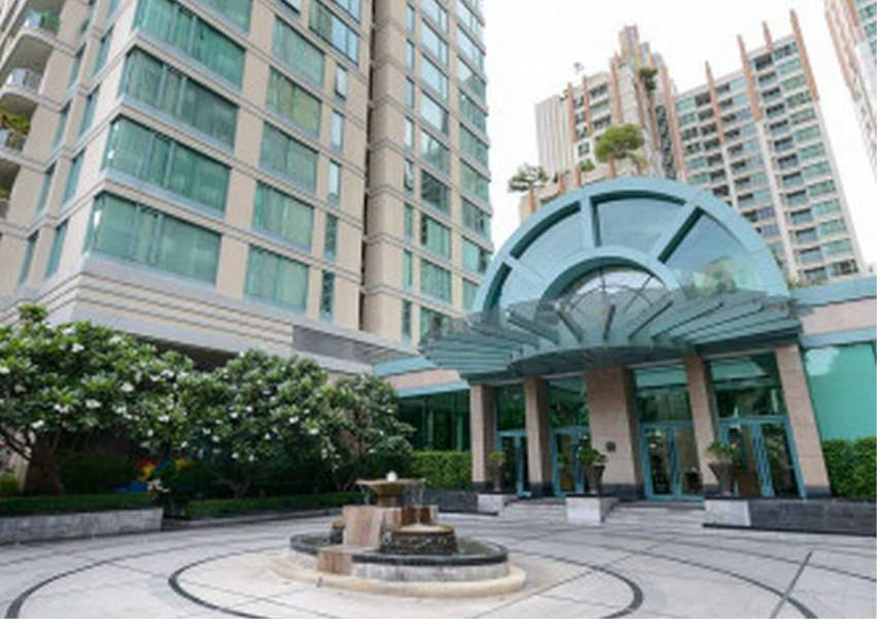 Bangkok Residential Agency's 3 Bed Condo For Rentin Chit Lom BR5663CD 9