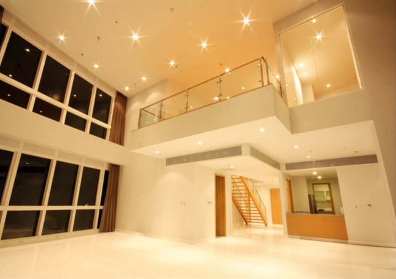 Bangkok Residential Agency's 3 Bed Condo For Rent in Asoke BR5726CD 2