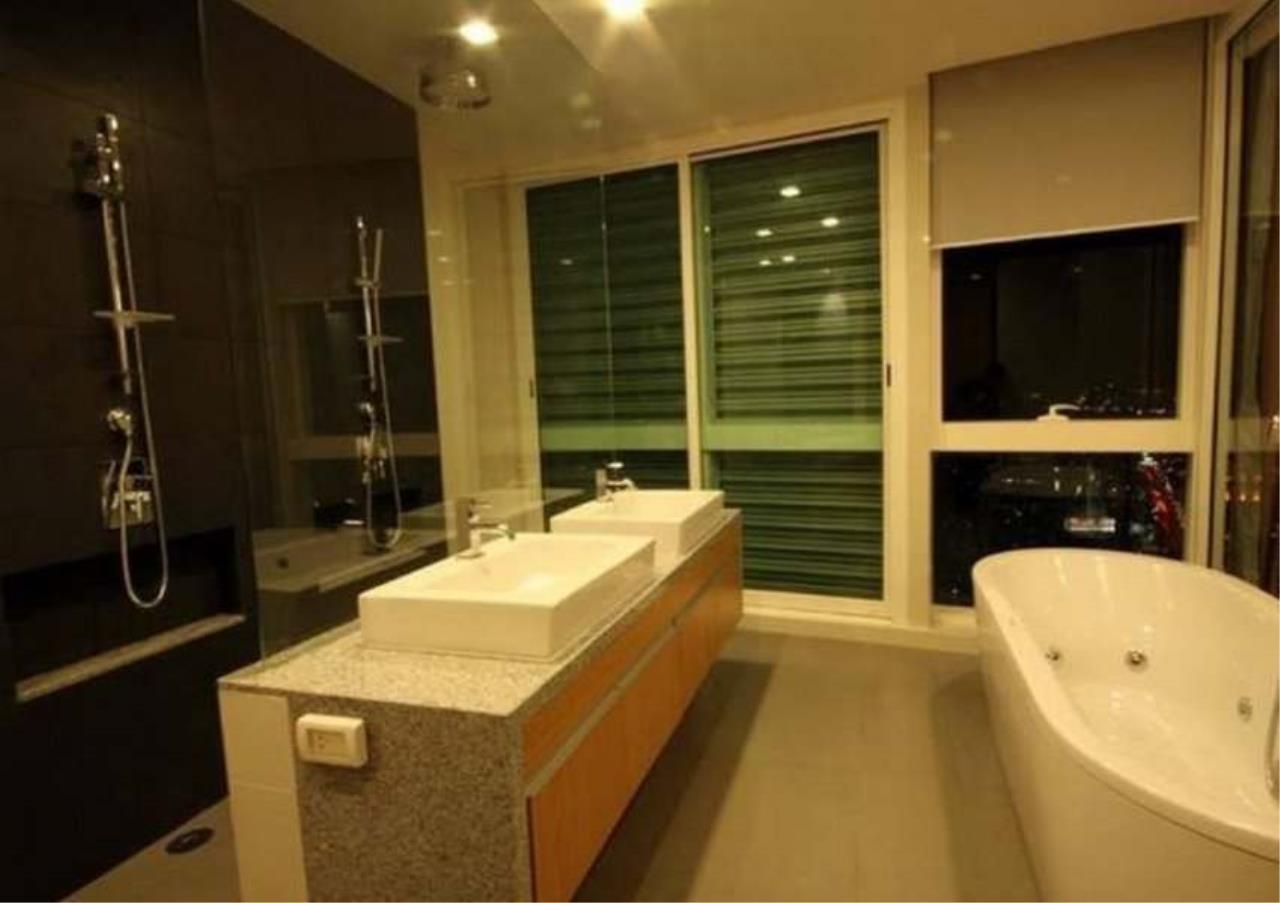 Bangkok Residential Agency's 3 Bed Condo For Rent in Asoke BR5726CD 8