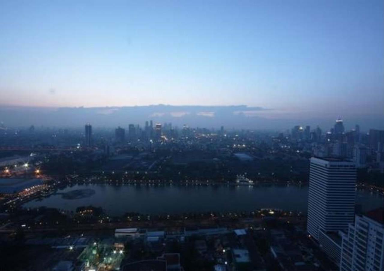 Bangkok Residential Agency's 3 Bed Condo For Rent in Asoke BR5726CD 9