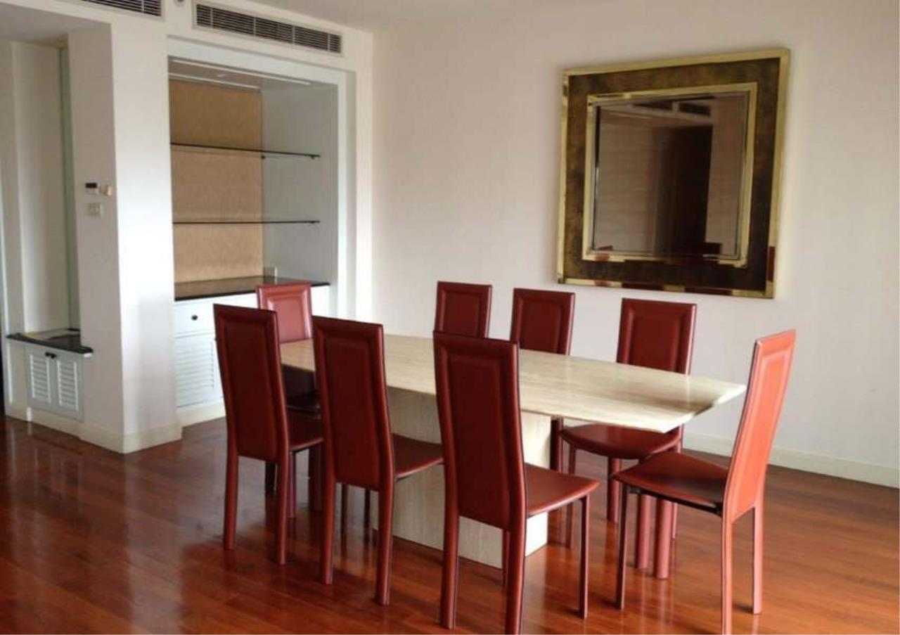 Bangkok Residential Agency's 3 Bed Condo For Rent in Phloenchit BR5733CD 1