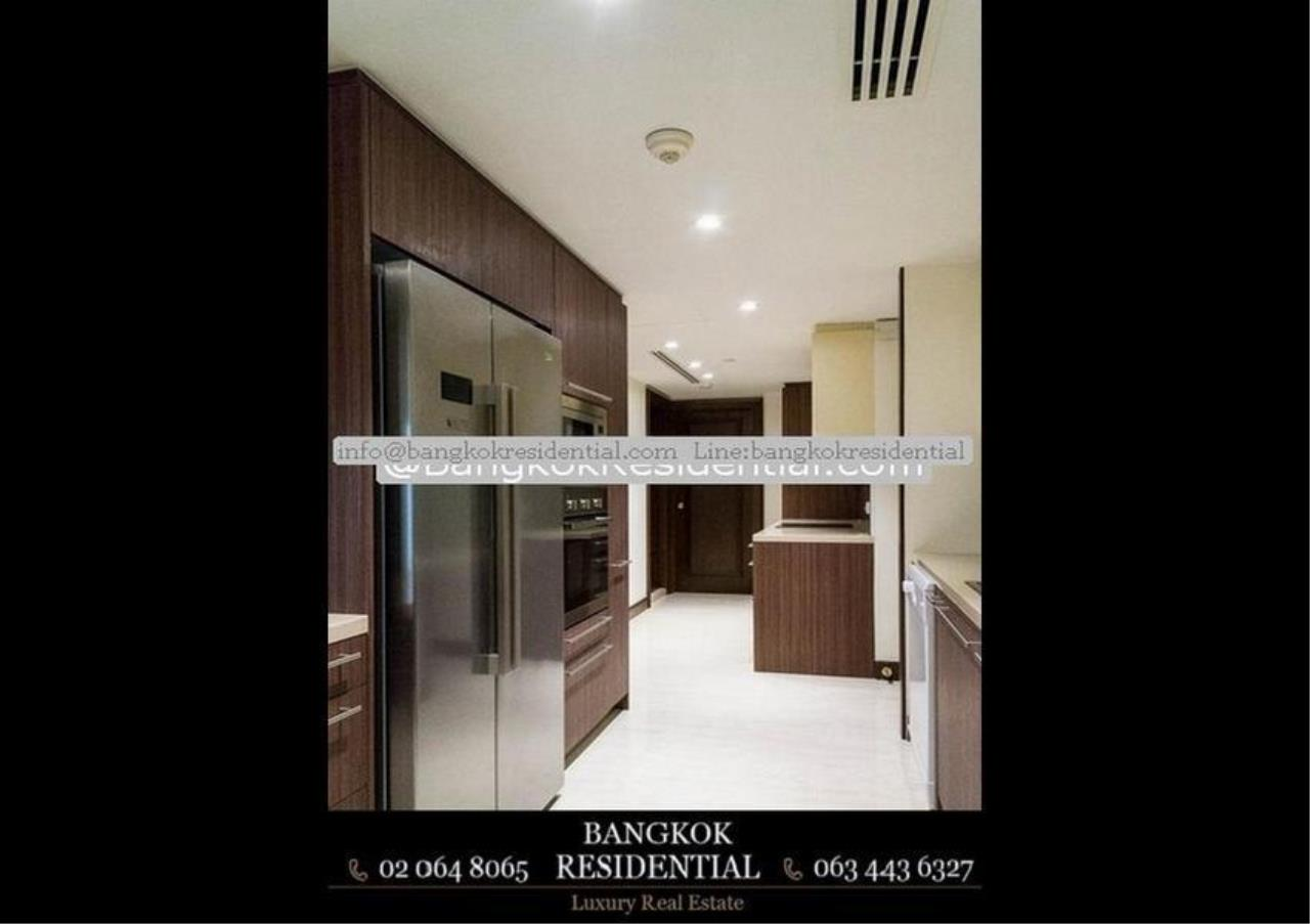 Bangkok Residential Agency's 3 Bed Condo For Rent in Chidlom BR5765CD 30
