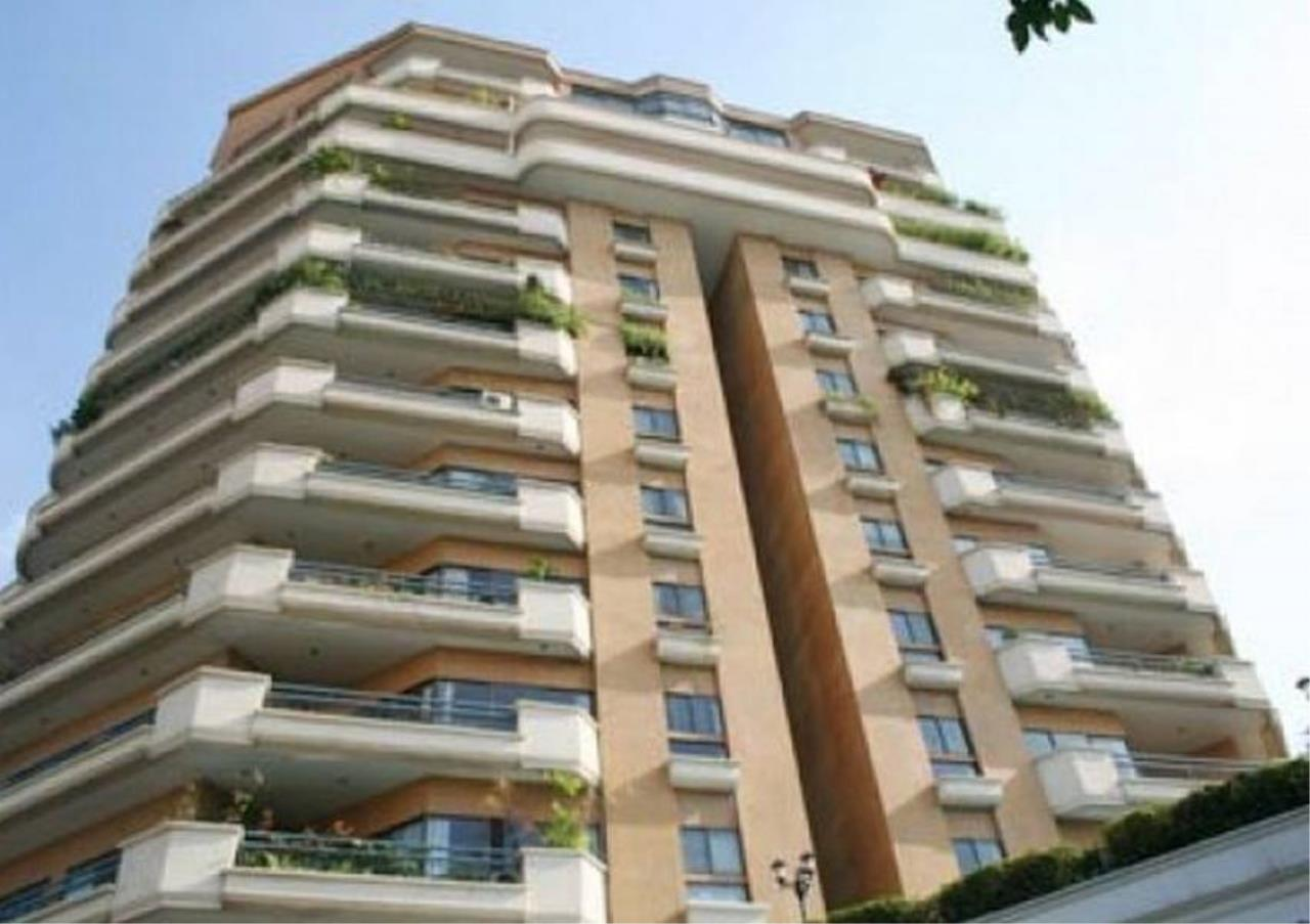Bangkok Residential Agency's 3 Bed Condo For Sale in Ekkamai BR5796CD 8