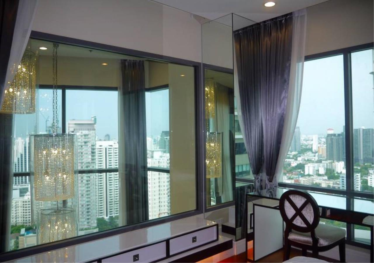 Bangkok Residential Agency's 3 Bed Condo For Sale in Phrom Phong BR5814CD 8