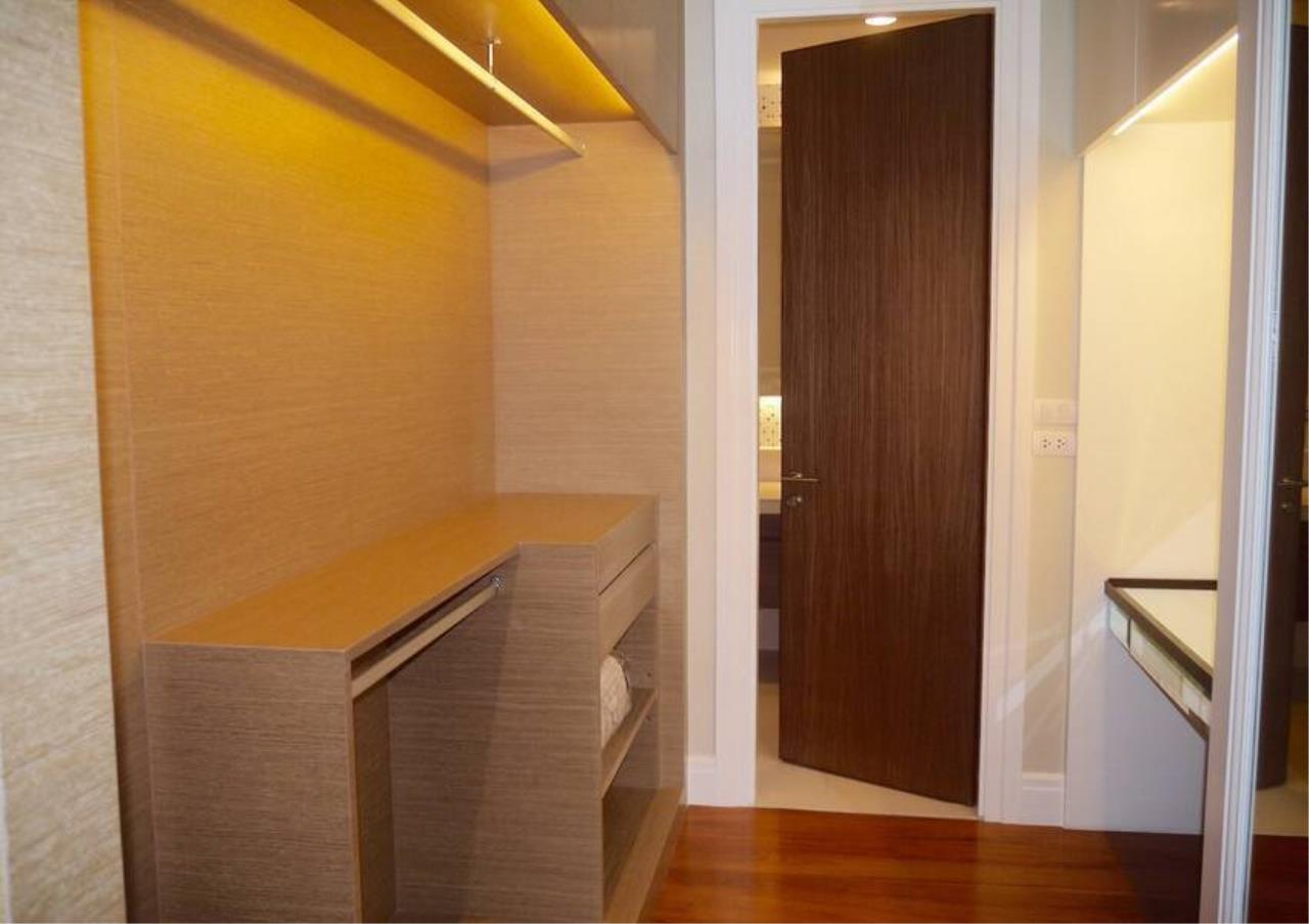 Bangkok Residential Agency's 3 Bed Condo For Sale in Phrom Phong BR5814CD 9