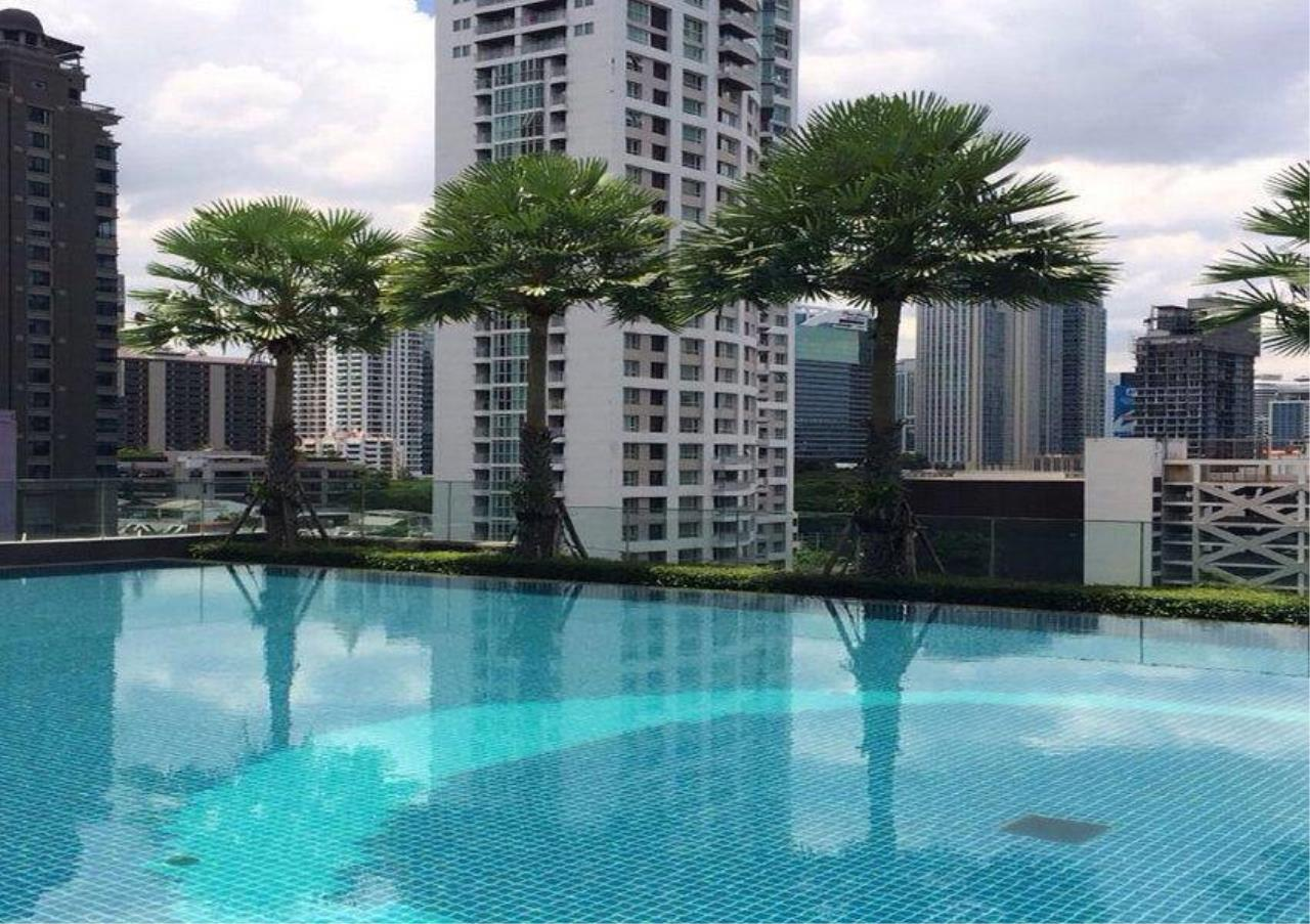 Bangkok Residential Agency's 2 Bed Condo For Rent in Chidlom BR5892CD 1