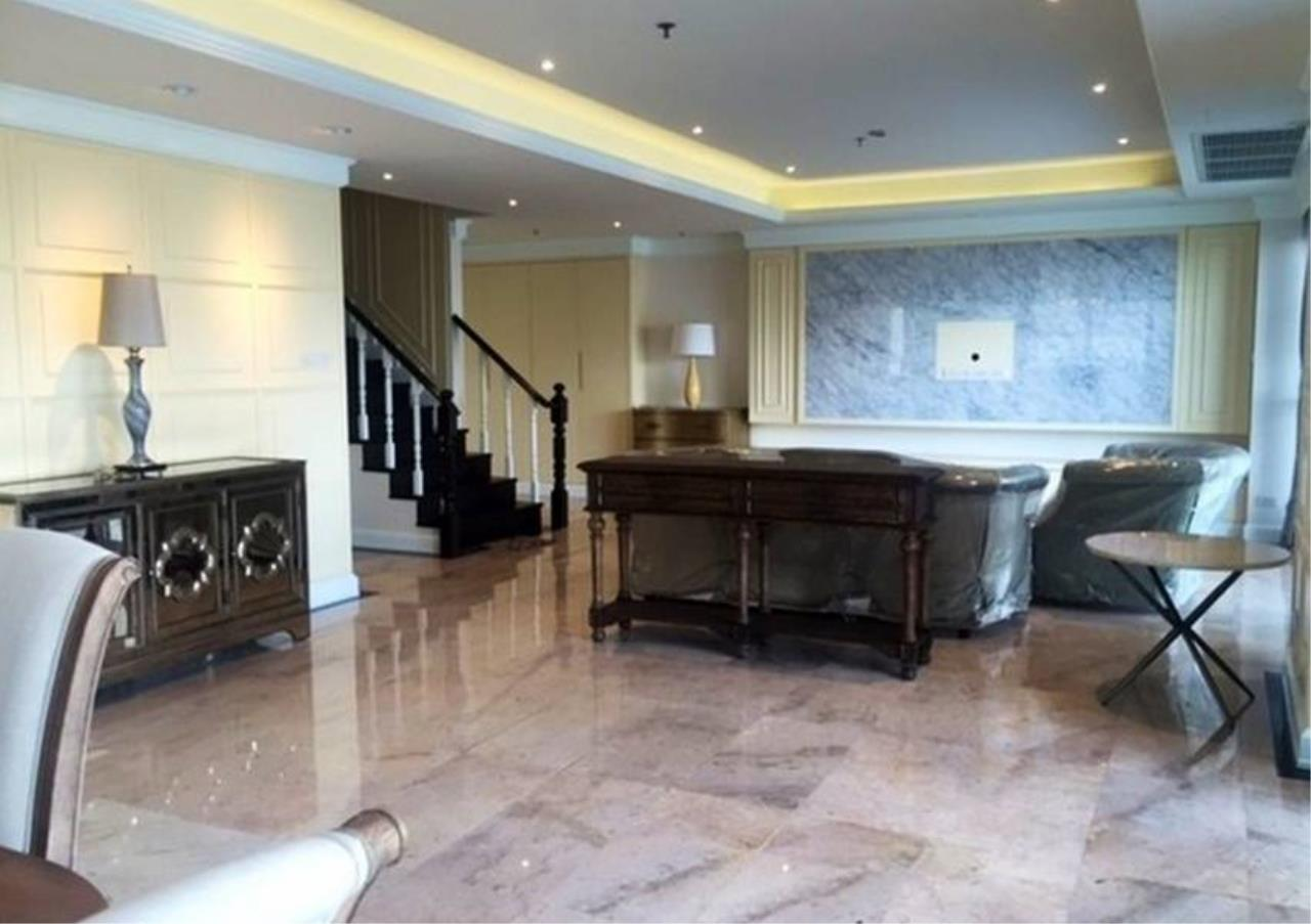 Bangkok Residential Agency's 3 Bed Condo For Rent in Phrom Phong BR5944CD 2